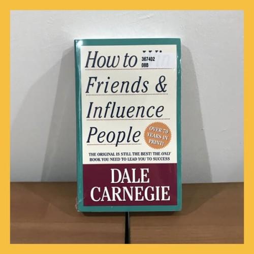 Foto Produk Buku Import How to Win Friends & Influence People Original Paperback dari Book World