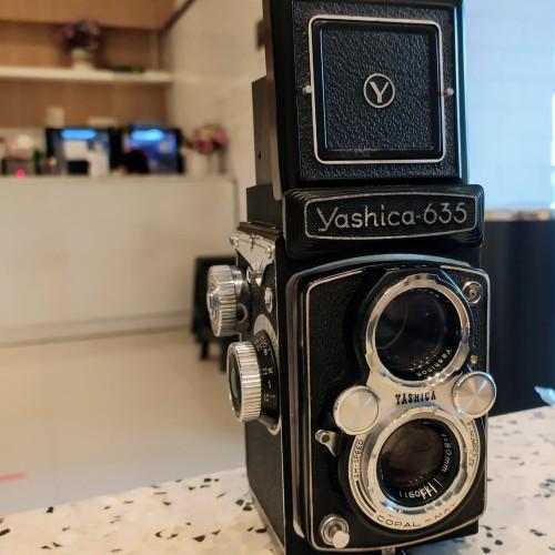 Foto Produk Kamera Yashica 635 dan 35 adapter. dari Harby Camera