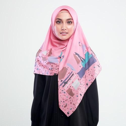 Foto Produk Zoya Kerudung Segi Empat Motif - Furima Scarf Warna Tropical Pink dari Zoya