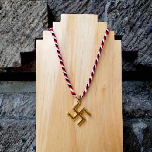Foto Produk Kalung Tridatu Liontin Swastika Gold dari CRAFTDEWATA