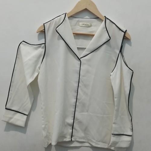 Foto Produk *Preloved* Atasan Big Size blouse off shoulder putih mineola dari Shap Ship Shop
