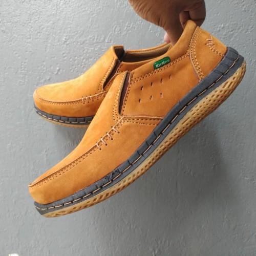 Foto Produk Kickers Sepatu Casual Kulit Asli Pria Elegan Kulit Nubuck(kulit balik) dari rif&lif store