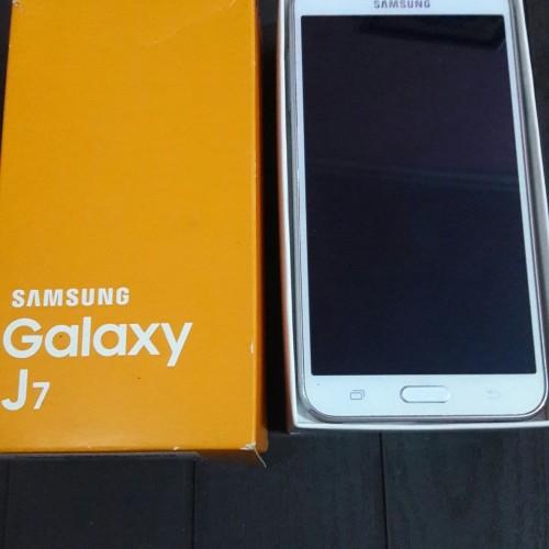 Foto Produk Samsung galaxy j7 2015 (white) second berkualitas dari YuniZuhdi