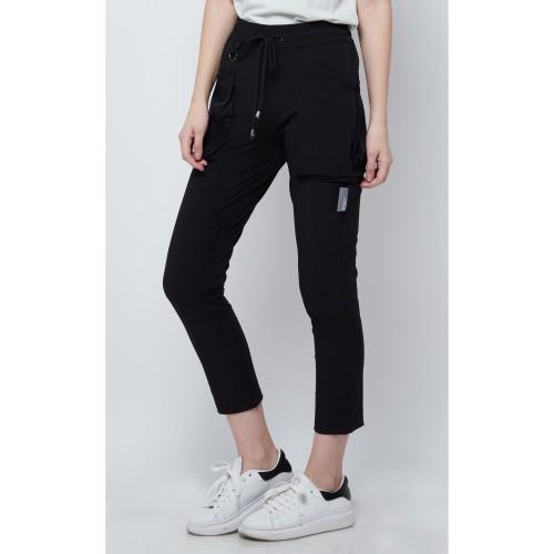 Foto Produk Celana Panjang Kasual Wanita resilen Utilitarian Cargo Pants All Black - L dari resilen