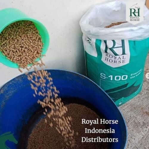 Foto Produk Pakan Makanan kelinci marmut VITAL ROYAL HORSE S100 REPACK rabbit food dari KIOS BADRA KIRANA