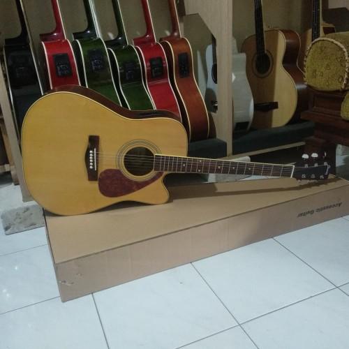 Foto Produk Gitar Akustik Fender natural jumbo with equalizer high quality dari Travertine music