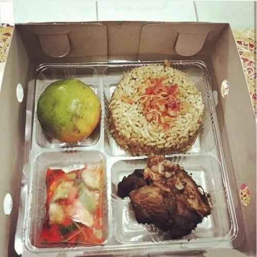 Foto Produk Nasi Kebuli Box Ayam dari Mahira Catering & Aqiqah