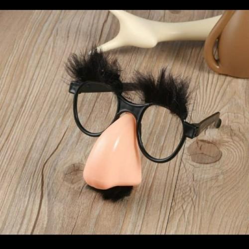 Foto Produk Set Kacamata Alis Kumis Hidung Palsu Lucu dari VictoriaMG2 Shop