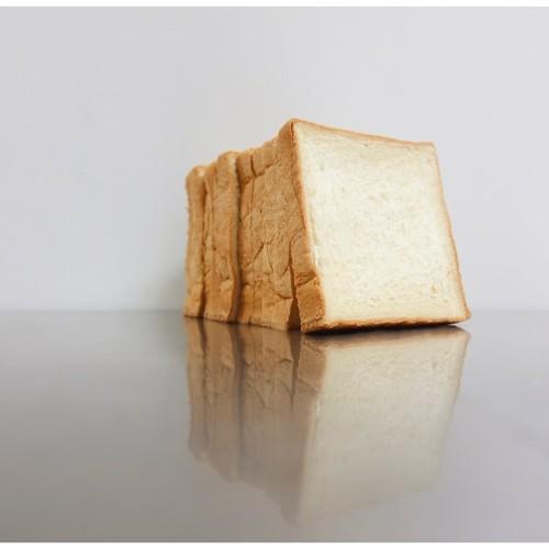 Foto Produk Milk Bread dari Weirdough Bakehouse