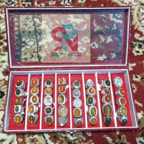 Foto Produk Kotak box tutup kaca slot 8 cincin akik dan permata dari Sinar Permata Nusantara