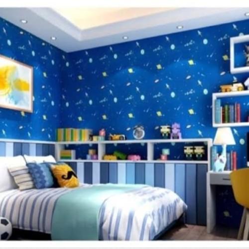 Foto Produk PLANET UFO BiRU Wallpaper Dinding 10M x 45Cm dari Grosir Laris
