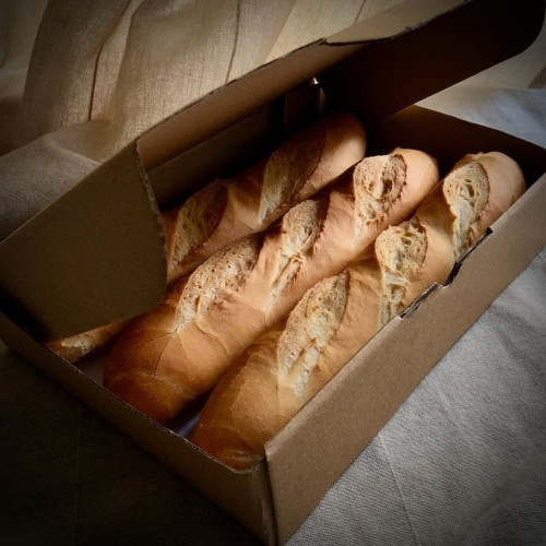 Foto Produk FRENCH BAGUETTE 27cm BOX 3pcs - ROTI PRANCIS BAGUETTE BOX isi 3pcs - Sliced 10mm dari Grandpas Store
