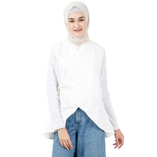 Foto Produk Outerwear Muslim Wanita Irzha Vest - Putih, L dari Covering Story