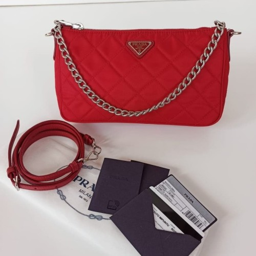 Foto Produk Ready Prada Mini Impuntu Red dari ferliarj16
