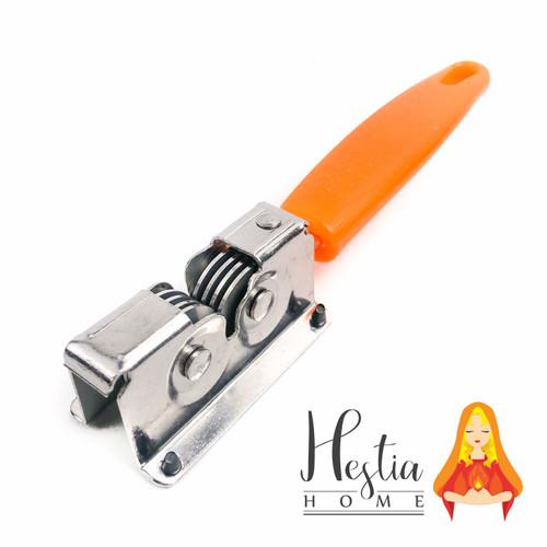 Foto Produk Asahan Pisau Stainless Alat Pengasah Penajam Knife Grinder Sharper - Orange dari HESTIA HOME