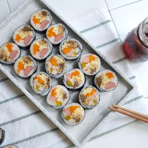 Foto Produk Kimbap / Gimbab Korea (premium ingredients ) asli dibuat orang korea - TUNA dari Roti Puti