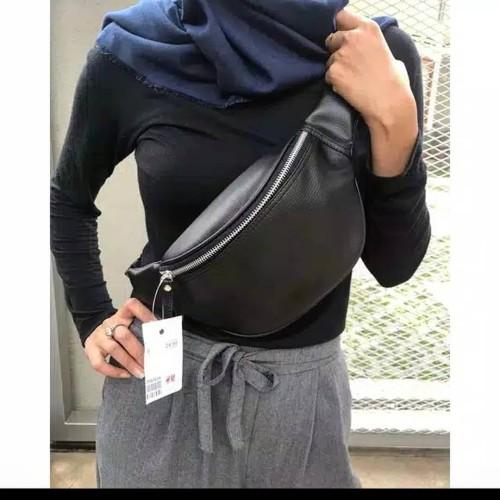 Foto Produk [SALE] TERLARIS!! H&M Waist Bag Unisex /Tas Selempang Pria dan Wanita - Hitam dari Lanuitstore