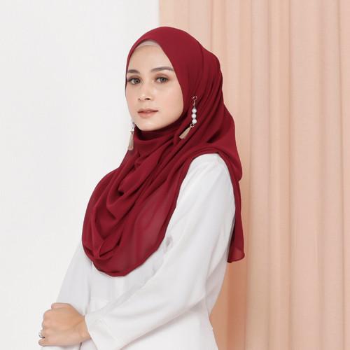 Foto Produk Hijab Ellysha ROMANSA LUXURY BARBIE SHAWL - Merah dari Hijab Ellysha Official