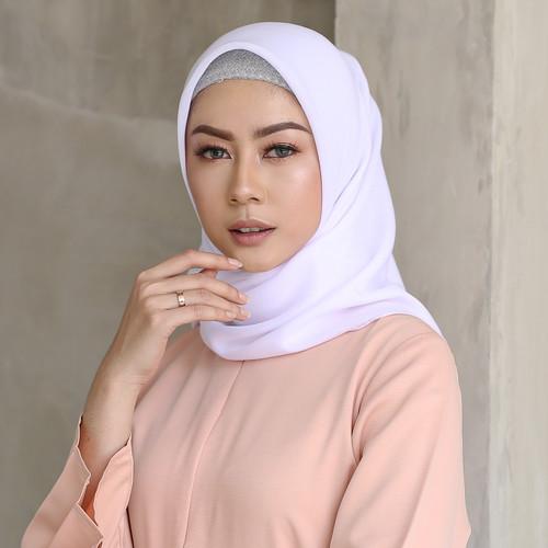 Foto Produk Hijab Wanita Plain Scarf Voal Diario White Series - Optic white dari diario