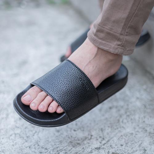 Foto Produk Sandal Pria Slop Sendal Slide Cowo Cogen Leather Kulit Copenhagen - Hitam, 39 dari Cogen Official