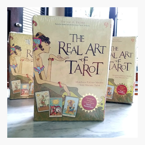 Foto Produk The Real Art of Tarot - dengan Kartu Tarot Nusantara dari Toko Kutu Buku