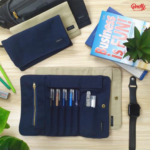 Foto Produk Roll Up Pencil Case / Pencilcase / Tempat pensil gulung canvas - Khaki dari Baraka Custom Merch