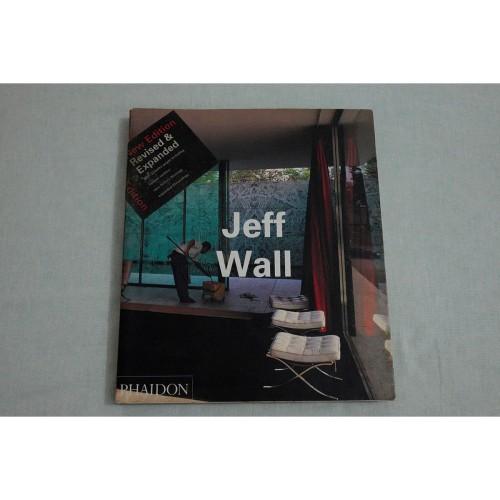 Foto Produk Buku Foto Jeff Wall dari Rony Zakaria Photography