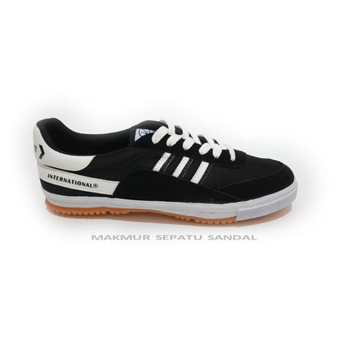 Foto Produk Sepatu Capung - Kodachi 8116 - Hitam Putih - 38 dari Makmur Sepatu Sandal