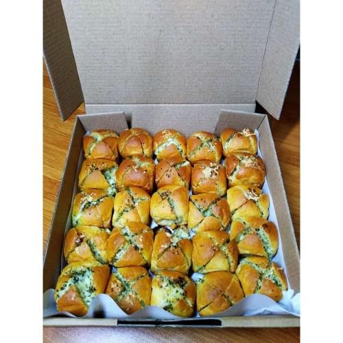 Foto Produk Mini Bun Korean Garlic Cheese Bread - Bawang Putih Keju Krispi 25 - Strong Garlic dari kangkuwe