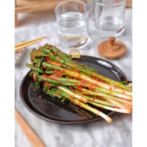 Foto Produk [NEW] HALAL Kimchi Daun Bawang 200 Gram Korea Pha Buchu Kimchi dari kimchi ajumma