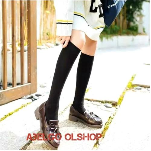 Foto Produk kaos kaki panjang selutut/kaos kaki wanita/kaos Kaki muslim - cream/wrnakulit dari abelgo olshop
