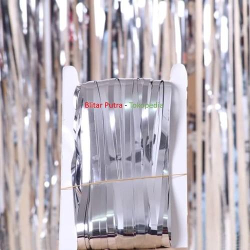 Foto Produk Silver / perak - TIRAI FOIL/FOIL CURTAIN/RUMBAI ULANG TAHUN /back drop dari Blitar Putra