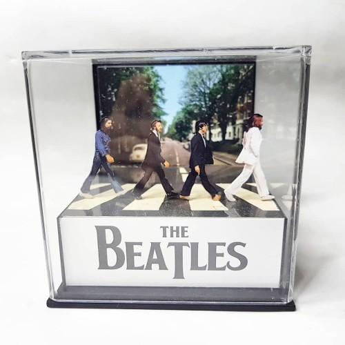 Foto Produk the Beatles diorama 3d cube with mp3 player dari JadulKekinian
