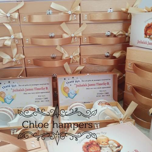 Foto Produk souvenir hampers teko zoey hardbox koper dari Chloe boetik