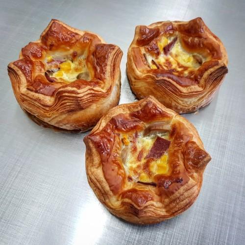 Foto Produk Don Bakeshop Croissant - Quiche Croissant dari Don Bakeshop