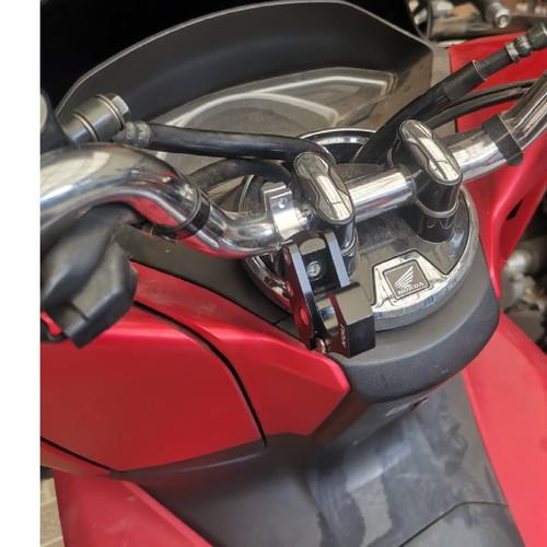 Foto Produk GANTUNGAN BARANG PCX ADV 150 LIPAT CNC FULL PLUG AND PLAY HITAM dari Lestari Motor 2