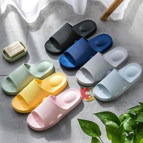 Foto Produk Sandal Rumah Indoor Outdoor Empuk dan Nyaman 8829 - Hitam, 36 - 37 dari KRUGEER