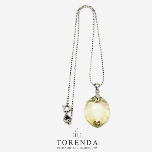Foto Produk Torenda Kalung Liontin Leaf Pendant with Swarovski - Hijau Muda dari TORENDA