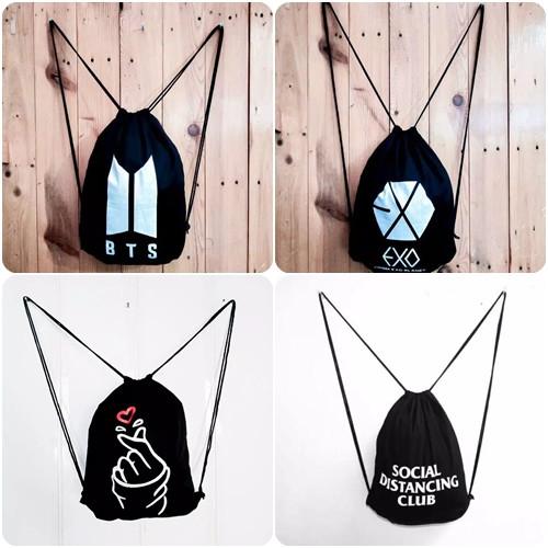 Foto Produk (1) String Bag Tas Serut Ransel KPOP / BTS / EXO / Bahan Drill Halus - Social Distanc dari Raja Tas Grosir