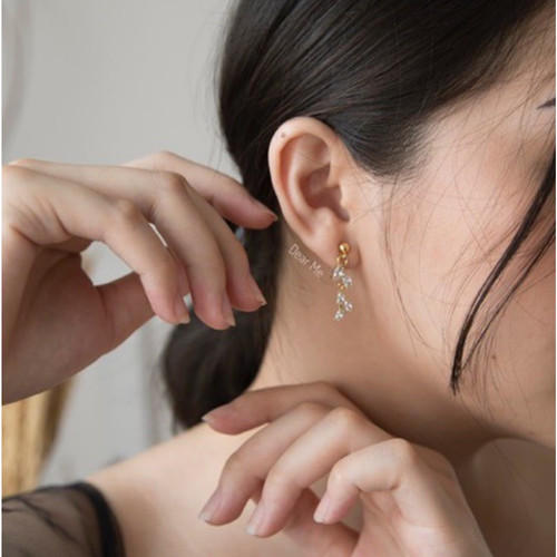 Foto Produk Dear Me - Crystal Earrings (925 Sterling Silver & 14K Gold Plating) dari Dear Me Jewelry