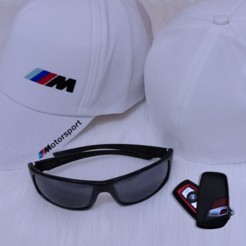 Foto Produk Topi BMW M Logo Built Up Cap Flexfit Limited - PUTIH dan NAVY - Putih dari Miw Clothing