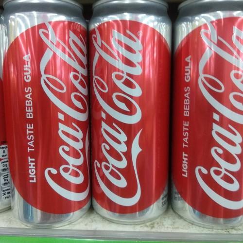 Foto Produk Coca Cola Light Taste Bebas Gula di 330ml dari cubeecubee
