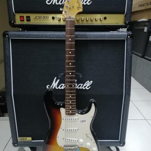 Foto Produk Fender 70s Stratocaster, Rosewood, Made In Mexico dari Serenata Galeri Musik