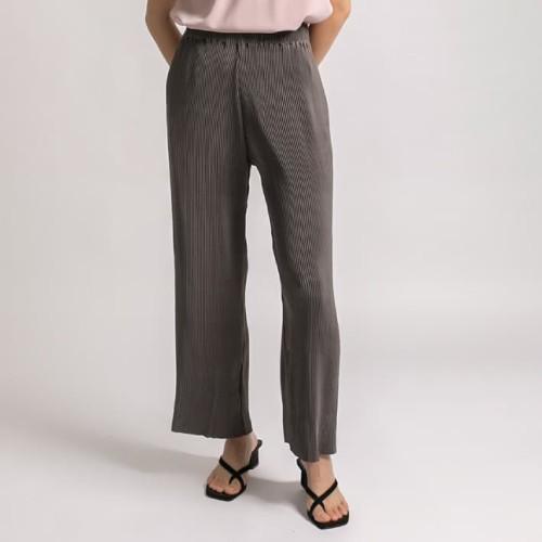 Foto Produk Grey Aby Pleats Pants l AVGAL dari Avgal Collection