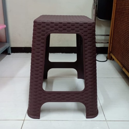 Foto Produk Kursi Bakso Plastik Motif Rotan / Bangku Tinggi Kokoh - Cokelat Tua dari secretbasesby