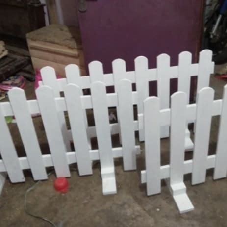 Foto Produk pagar pager pembatas ruangan taman anak kayu jati belanda warna putih dari Tri Murcti Corporation