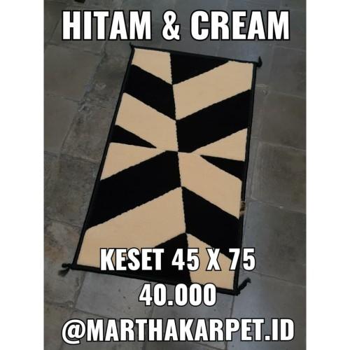 Foto Produk KESET KAKI HITAM & KREM 45 X 75 PERMADANI, PVC, KARAKTER, BULU, MIE dari Martha Karpet Indonesia