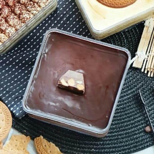 Foto Produk Dessert Cake Box - Chocolate Chunky Bar dari Delicio Cake & Bakery