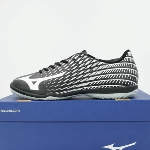 Foto Produk Sepatu Futsal Mizuno Basara Sala Club IN Black White Q1GA193301 Ori dari KING OF DRIBBLE