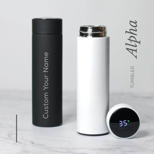 Foto Produk Grafir Nama | Alpha Smart Tumbler LED Suhu Custom Tumbler Botol Minum - Hitam, Grafir 1 Sisi dari Otello Laser Cut